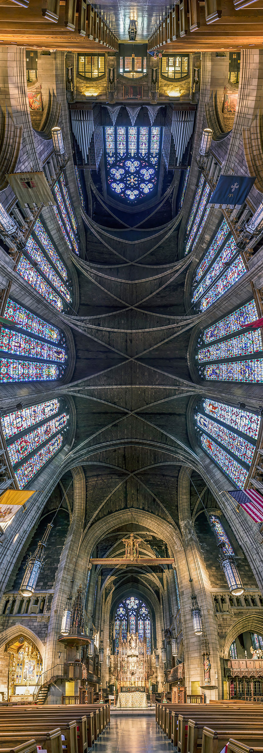 Vertical Churches par Richard Silver