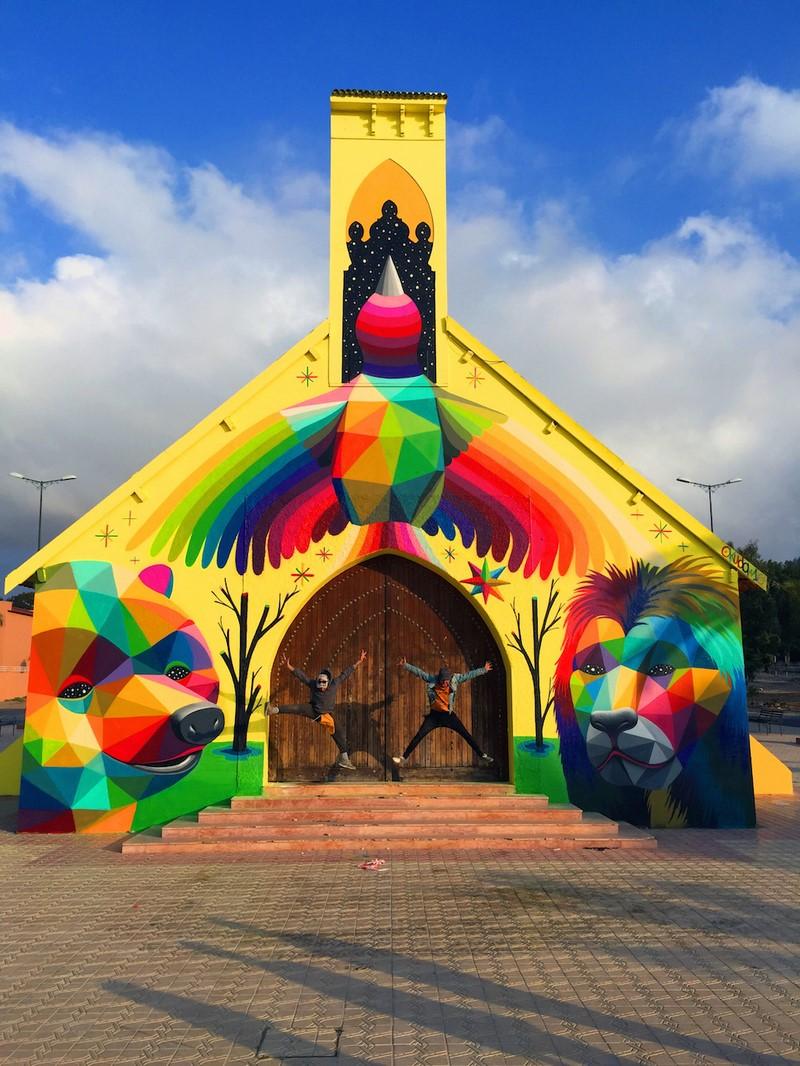 Une fresque d'Okuda San Miguel redonne vie à cette église 08