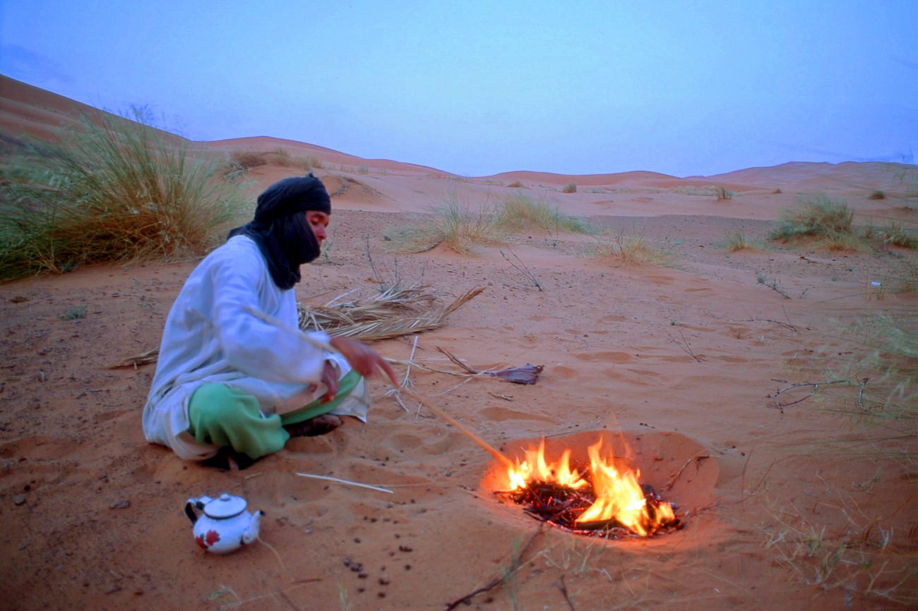 Cérémonie du thé dans le désert