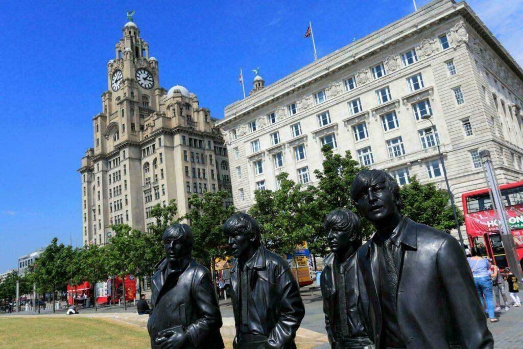 Liverpool statue Beatles