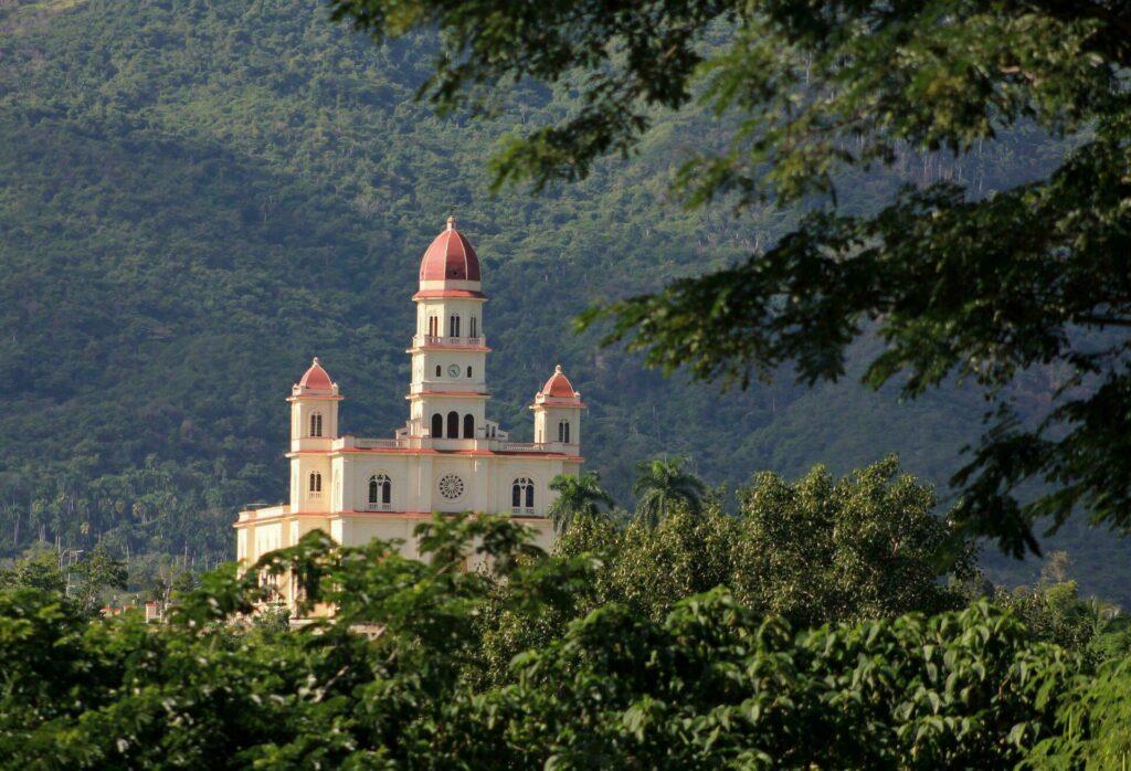 Cuba basilique de la Vierge El Cobre