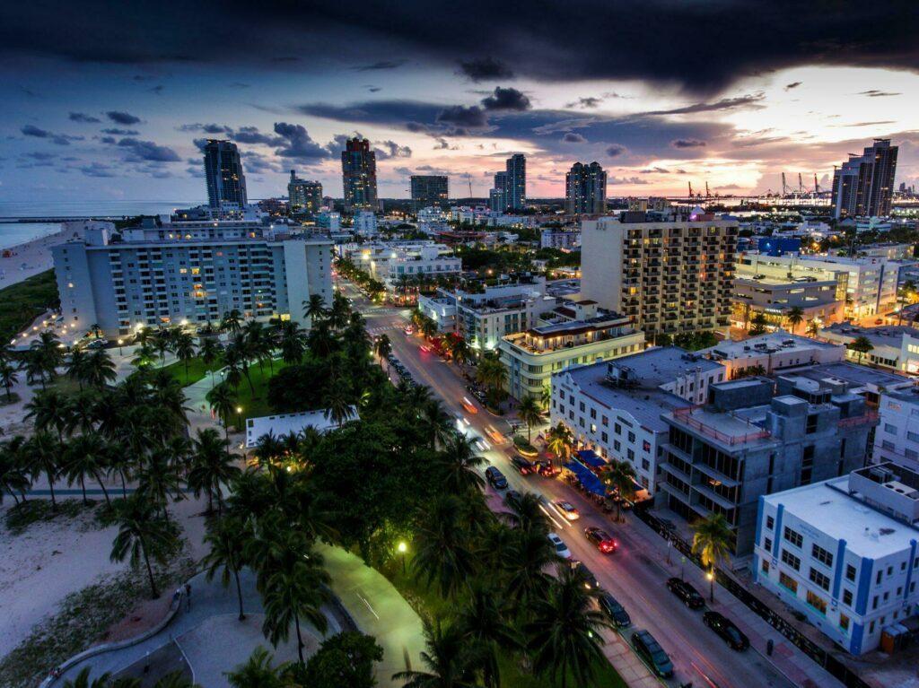 Miami Ocean Drive la nuit