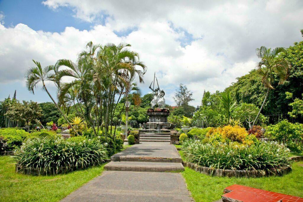 Statue au Puputan Square à Denpasar