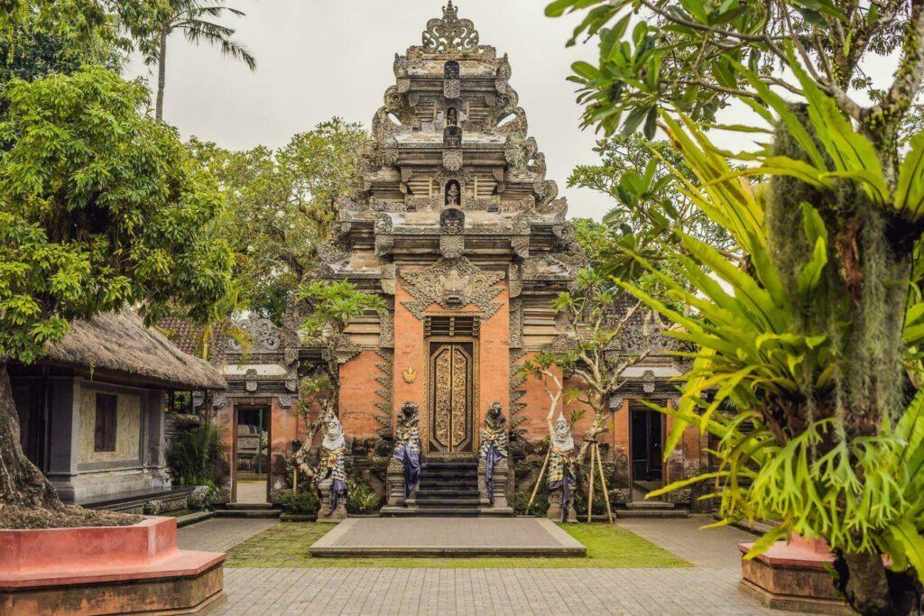 Visiter les palais de Bali lors de votre voyage