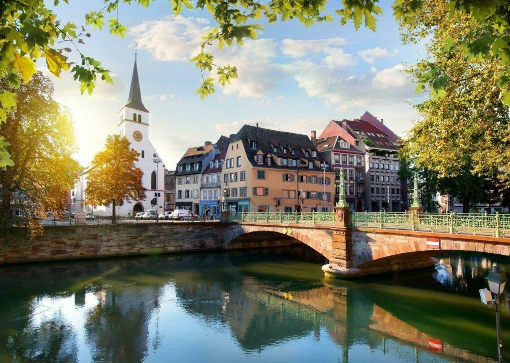 Strasbourg eglise pont