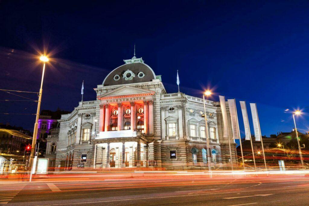 Vienne Volkstheater la nuit Autriche