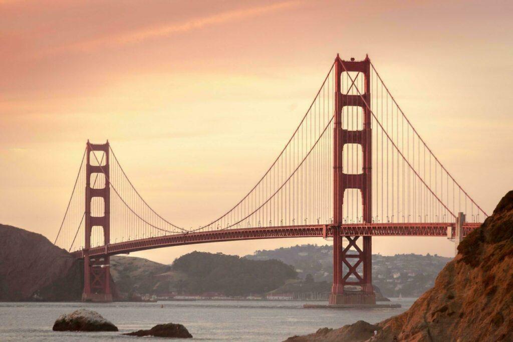 Golden Gate Bridge au coucher de soleil