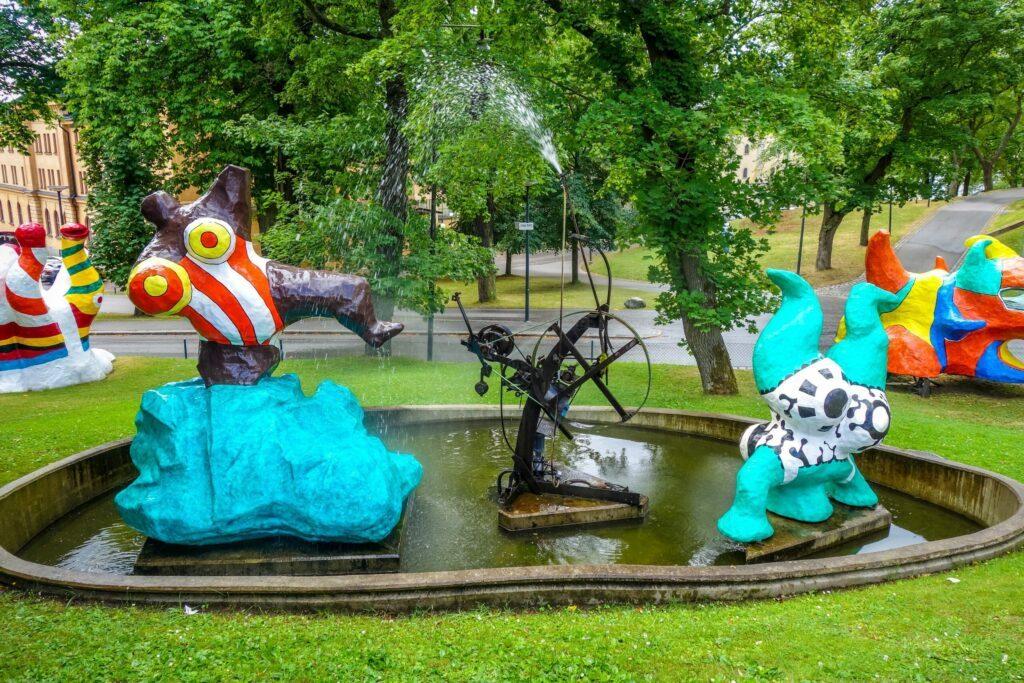 Sculptures dans les jardins du Moderna museet