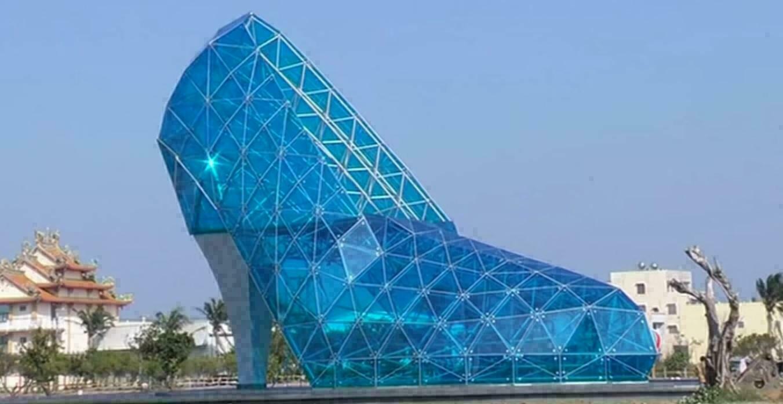 Ce soulier en verre est en fait une glise blog ok voyage - Vacances originales mexique culsign ...