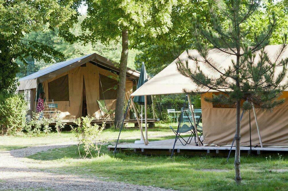 Tentes du camping de Paris