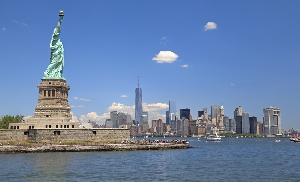 Statue de la Liberté et skyline de Manhattan