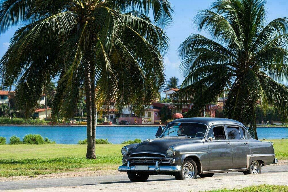 Une vieille voiture américaine à Varadero, Cuba