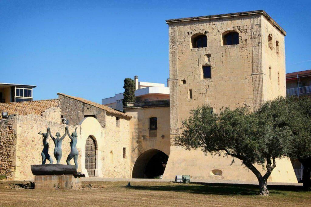 La vieille tour de Salout (Torre Vella)