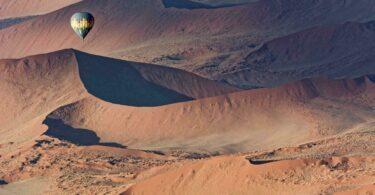 Survoler la Namibie en Montgolfière