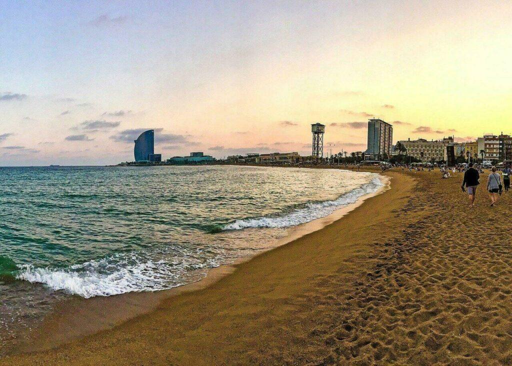 La plage à Barceloneta