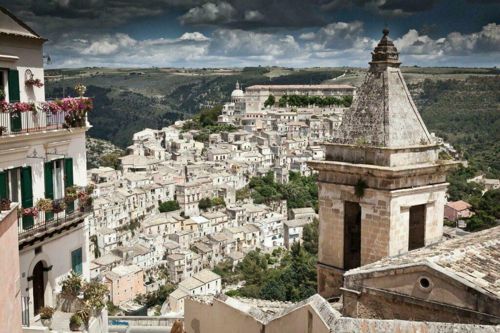 La petite ville charmante de Ragusa, en Sicile