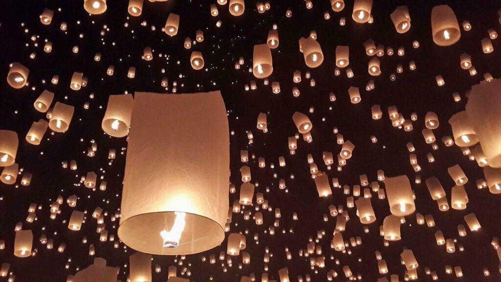 """A Chiang Mai, la célèbre fête des lampions """"Loy Krathong"""""""
