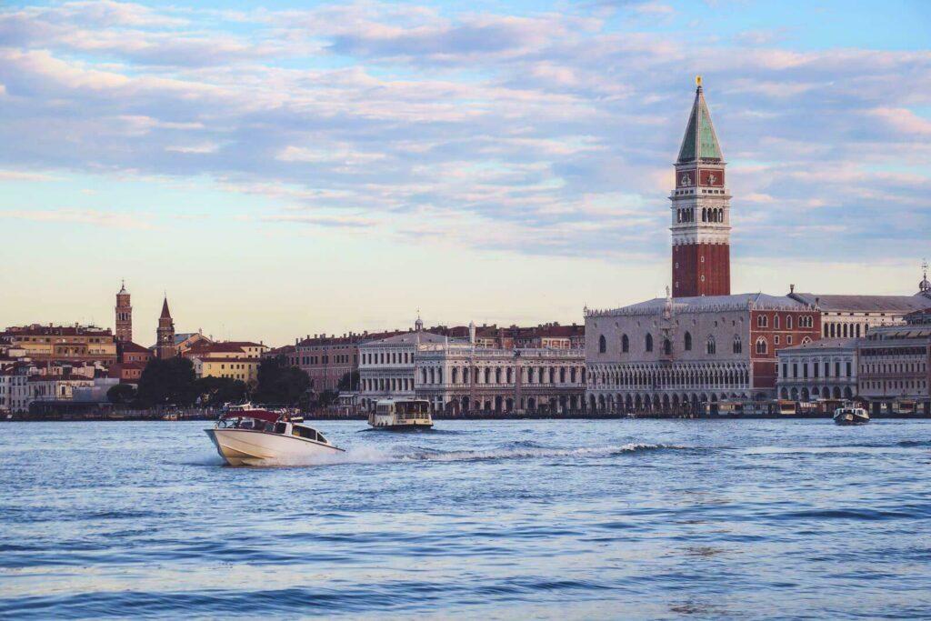Venise s'éveille