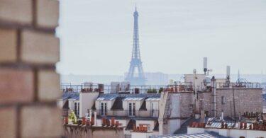 Rooftop à Paris avec vue sur la Tour Eiffel