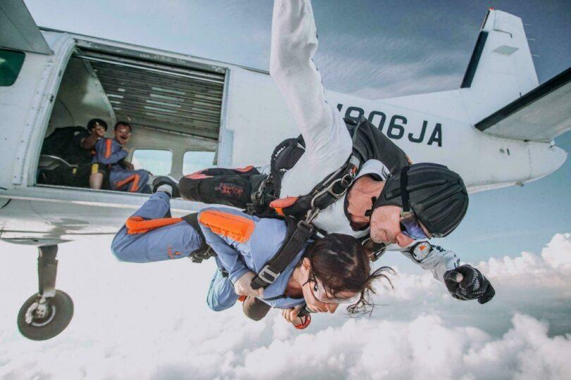 Sauter en parachute dans le monde