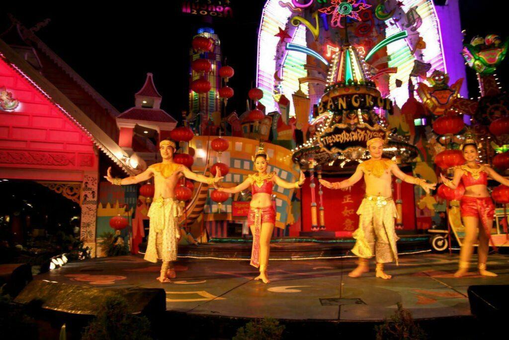 spectacle Phuket