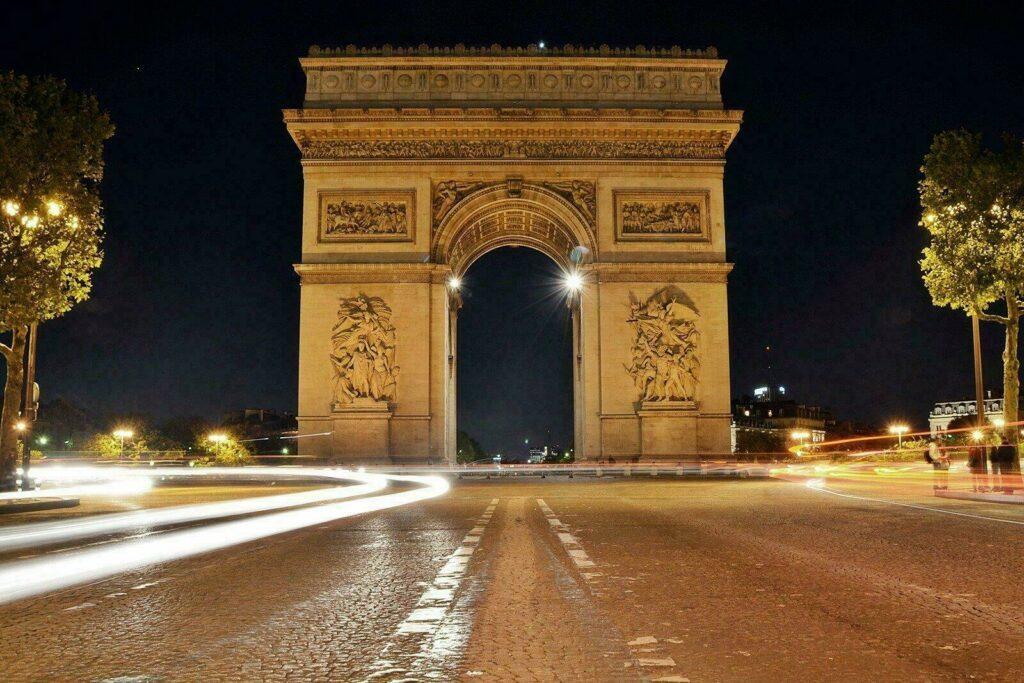 arc de triomphe à voir à Paris