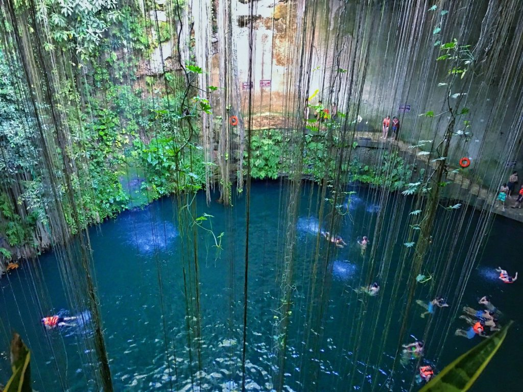 cenote Cancun
