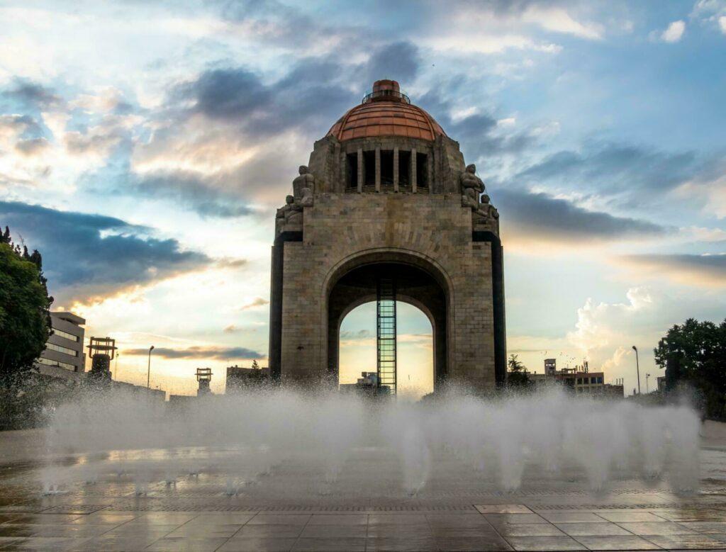 monument révolution