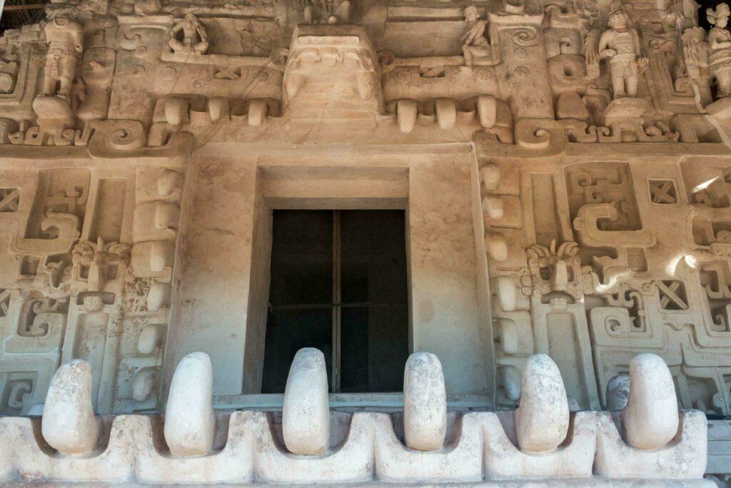 sculptures Ek-Balam