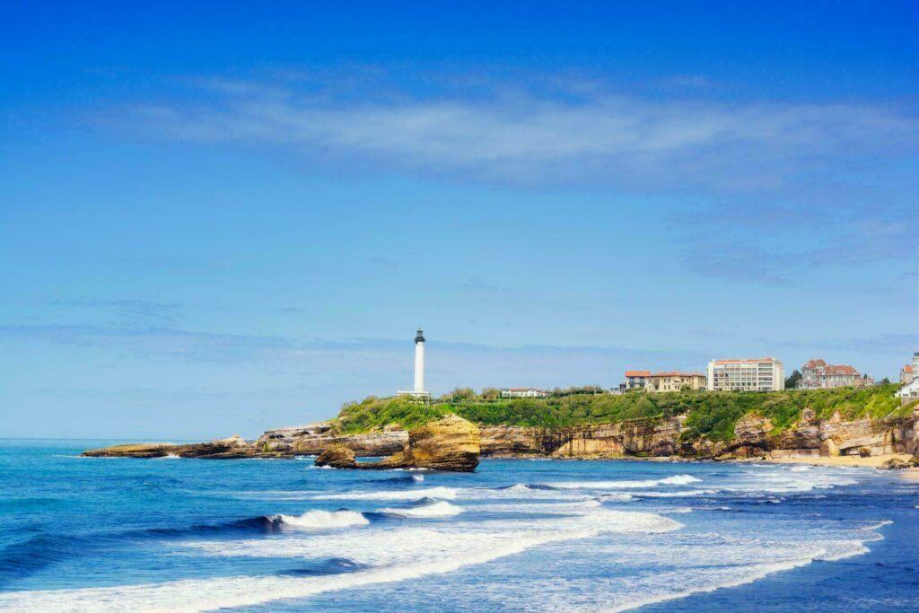 Allez voir le phare de Biarritz