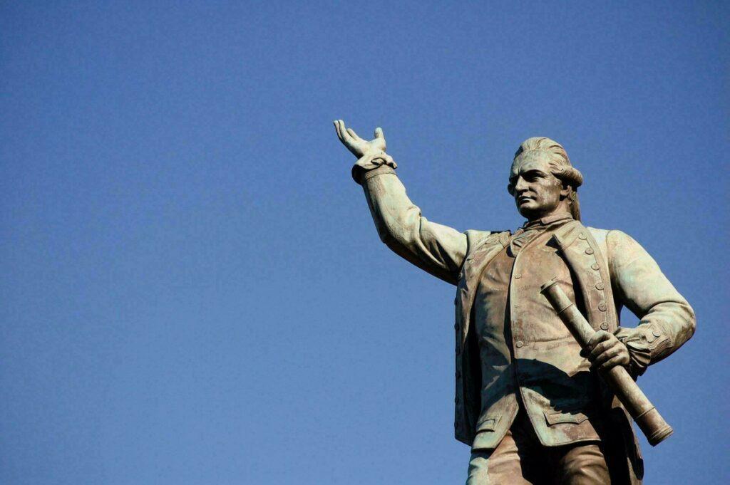 statue James Cook