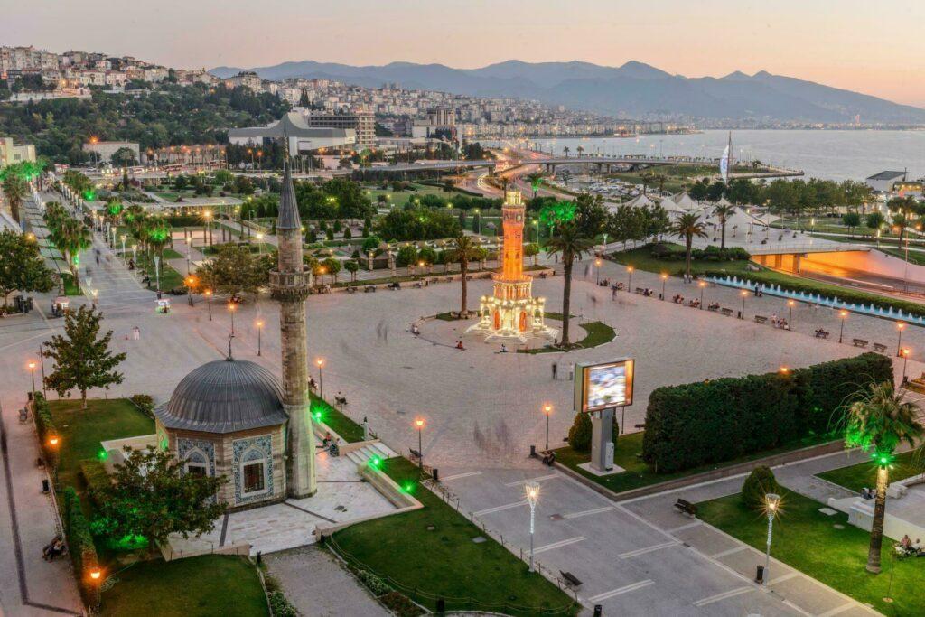 Konak Meydani Izmir