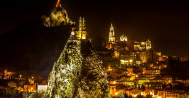 Le Puy-en-Velay la nuit