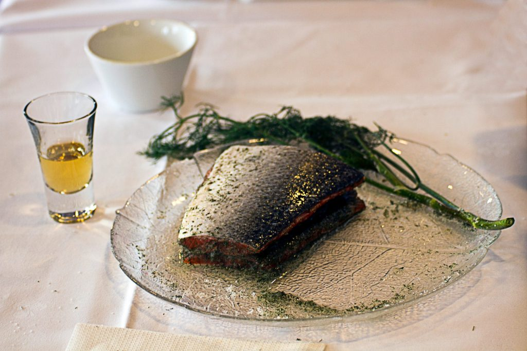 saumon aquavit