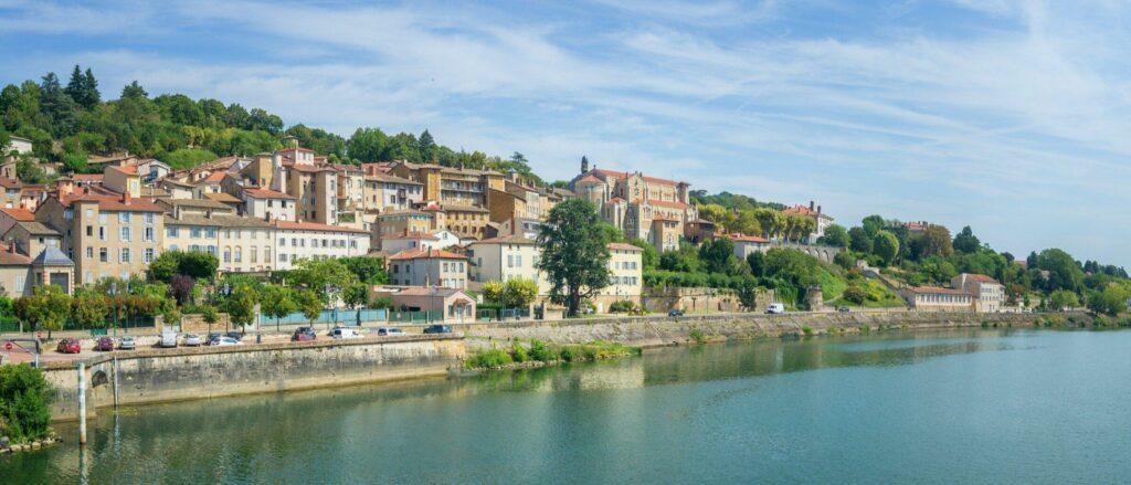 Trévoux, proche de Lyon