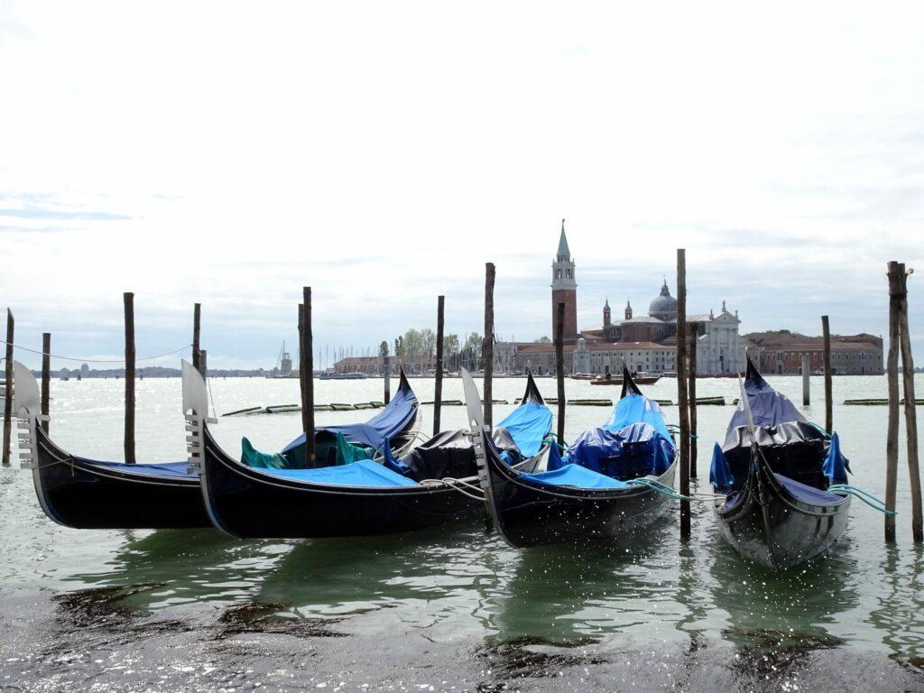 Venise, gondoles
