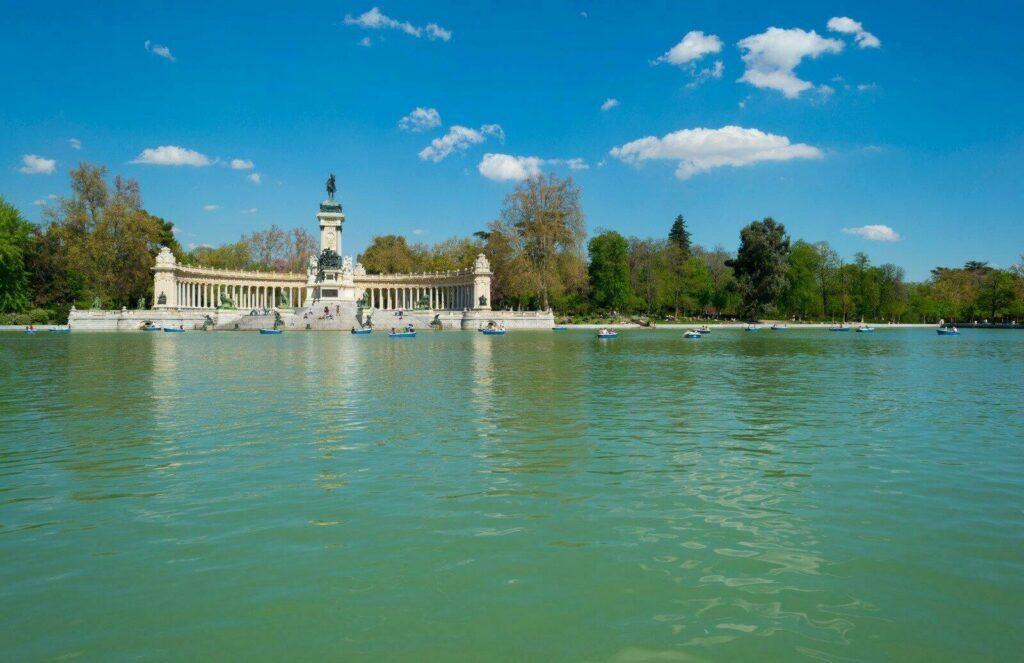 Le lac du Parc Retiro à Madrid