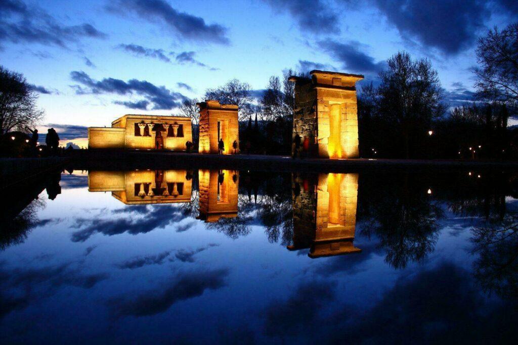 Le temple de Debod la nuit