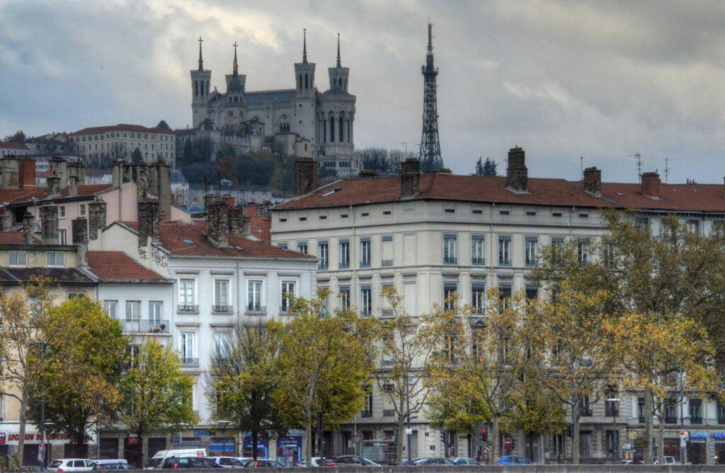 Lyon, Vue panoramique sur la Basilique Notre-Dame de Fourvière