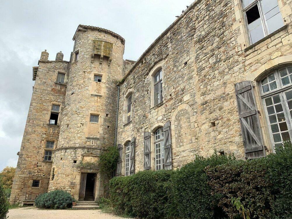 Visiter les châteaux du village de Bruniquel, dans le Tarn-et-Garonne