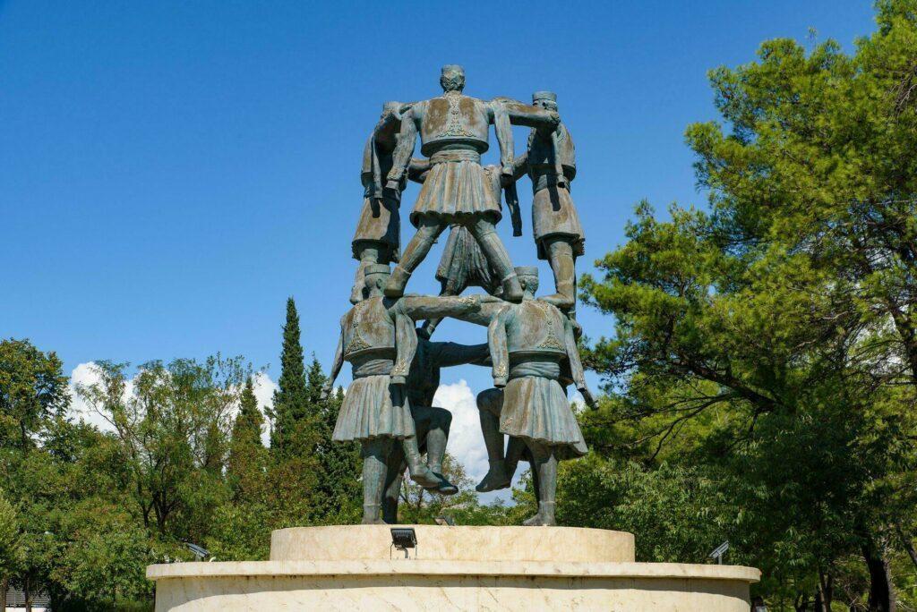 sculpture danseurs Podgorica