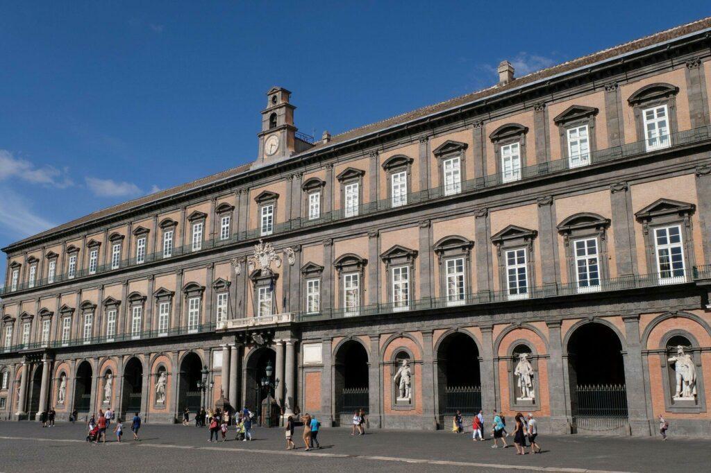 Le palais Royal à Naples