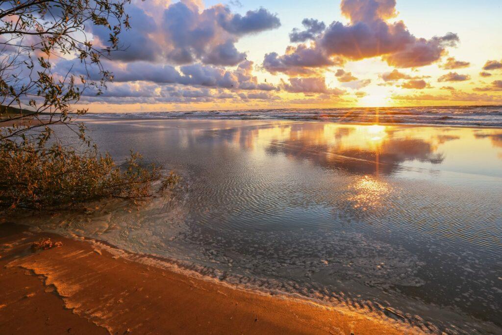 coucher de soleil mer baltique