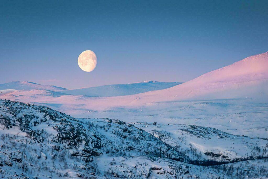Laponie hiver suede paysage lune