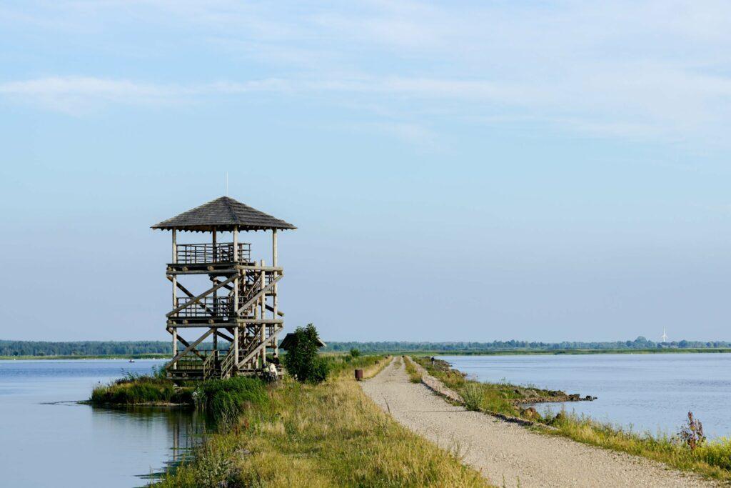 tour d'observation au lac Liepaja