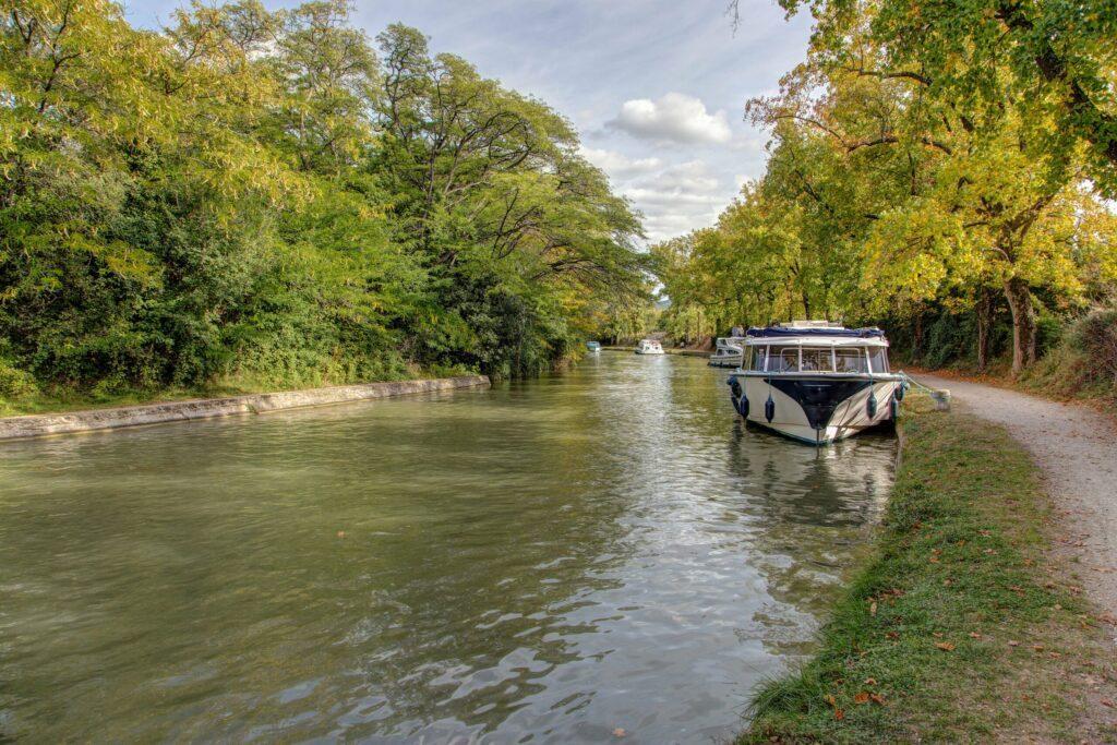 Canal du midi à voir à Carcassonne