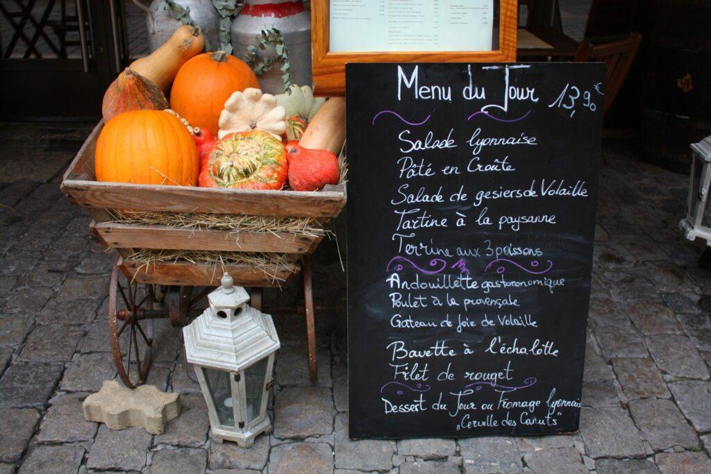 menu d'un Bouchon lyonnais