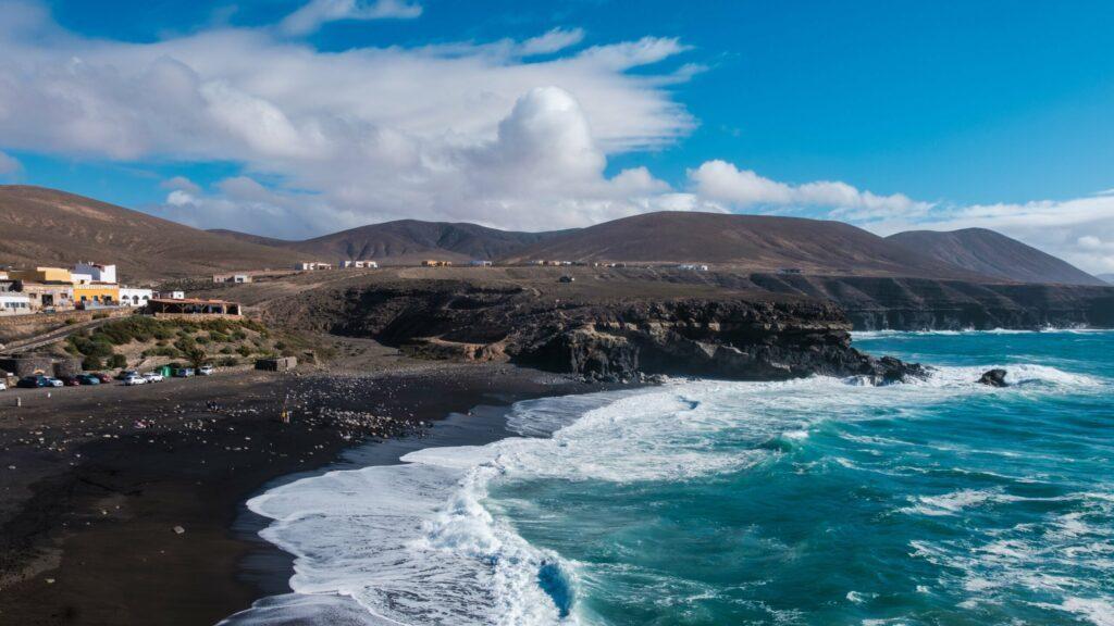 Ajuy et sa plage de sable noir