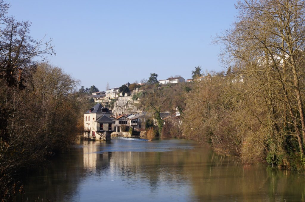 Clain Poitiers
