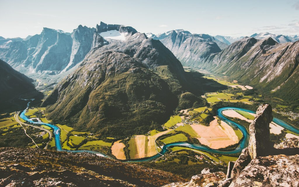 crête Romsdalseggen fjord de Norvège